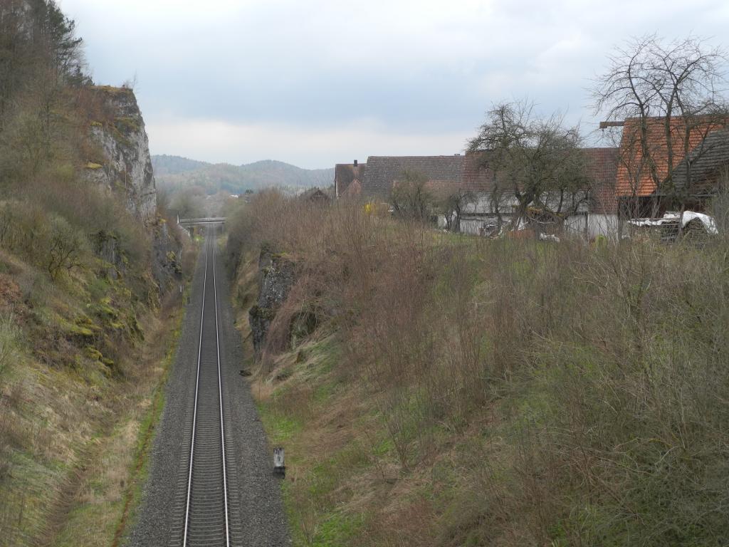 Bahneinschnitt unterhalb des Kuhfelsens